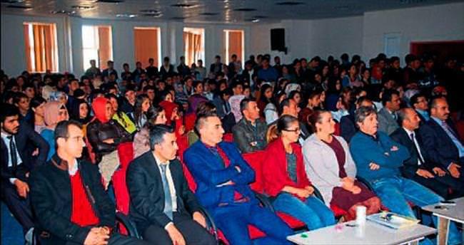 Afşin MYO'da motivasyon ve iş görüşmesi semineri