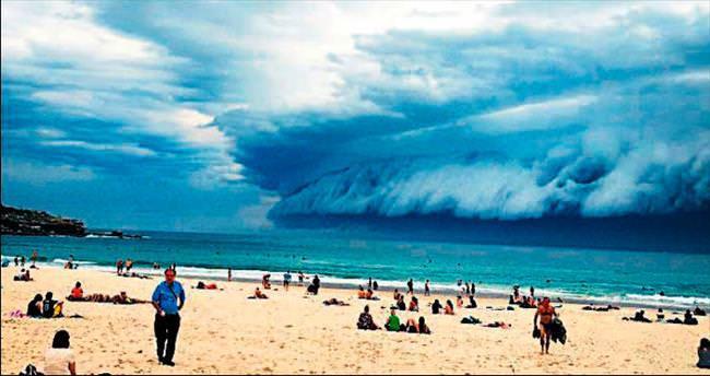 Tsunami gibi bulut