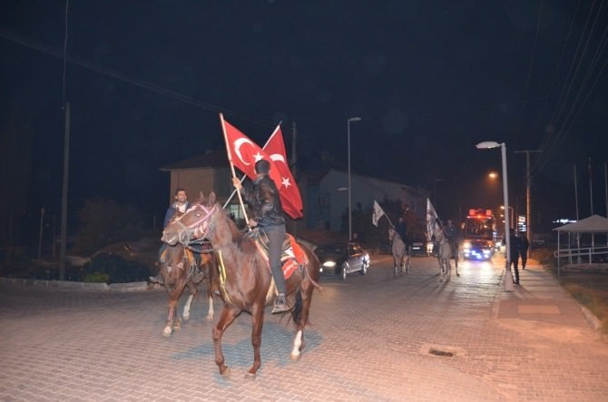 AK Partili Milletvekillere AT Üstünde Karşılama