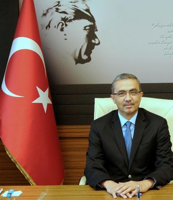 Rektör Prof. Dr. Güvenç'in 10 Kasım Atatürk'ü Anma Mesajı