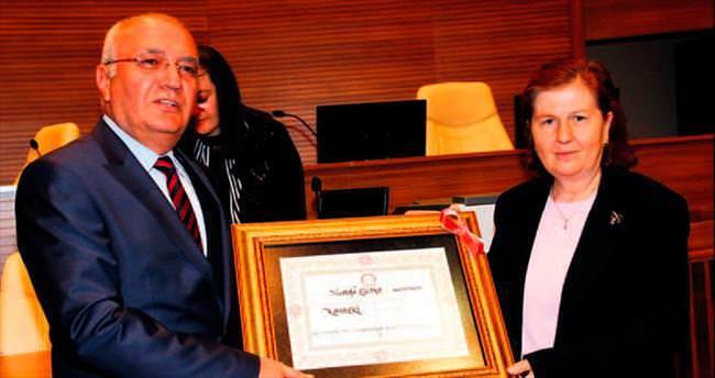 Türkiye'ye en uygunu tam başkanlık sistemi