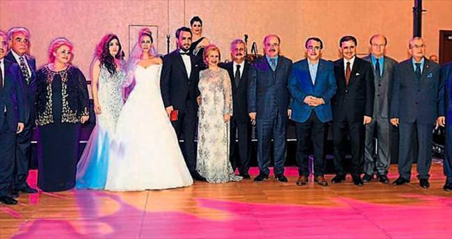 Ecem ve Hacı'nın 11 şahitli düğünü