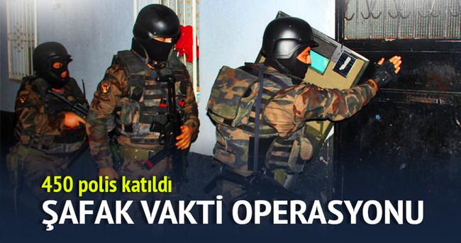 3 ilde 450 polisle şafak operasyonu!