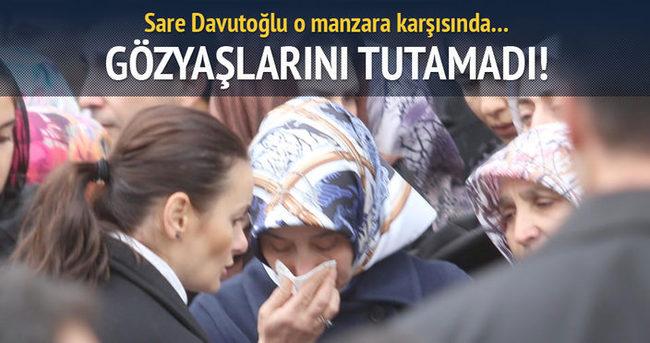 Sare Davutoğlu şehidin cenazesinde gözyaşlarını tutamadı!