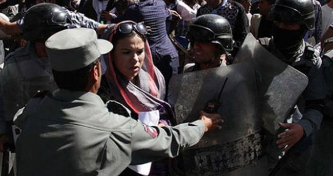 Afganistan'da istifa sesleri yükseliyor