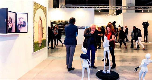İstanbullular sanat ve tasarım buluşmasını izledi