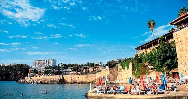 Antalya'nın ilk plajı başarıya doym