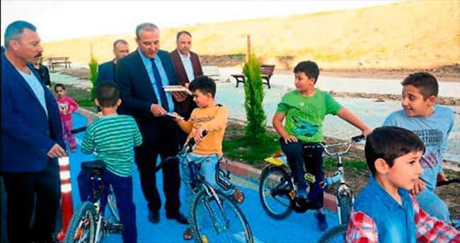 Başkan Öztürk bisiklete bindi