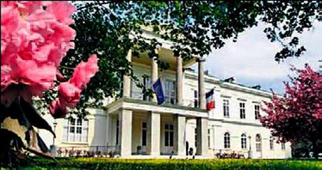 Viyana'daki Fransız sarayı Katar'ın oldu