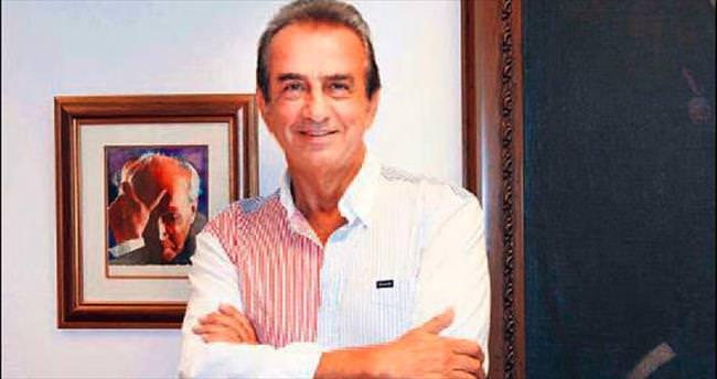 Yazıcıoğlu'na 'Yılın Tiyatro Adamı' ödülü