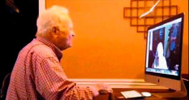 İlk aşkının sesini 71 yıl sonra duydu