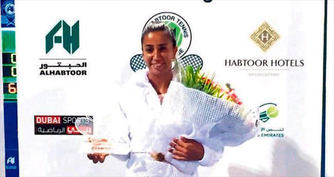 Çağla'dan Dubai'de çifte şampiyonluk