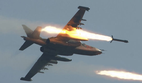 Rus uçakları Suriye'de okulu vurdu!