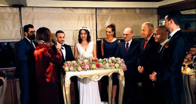İskenderun'dan düğüne özel baklava getirtildi
