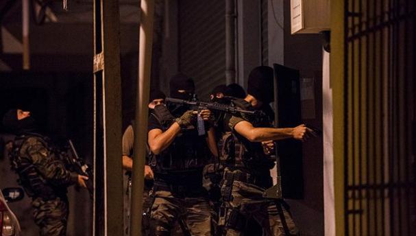 İstanbul'da terör örgütü operasyonu: 13 gözaltı