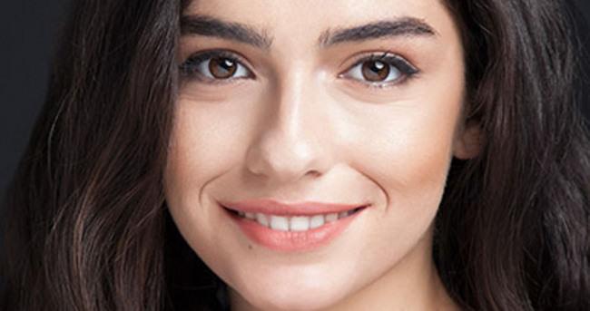 Hazar Ergüçlü'den dizi aşkı iddialarına yanıt