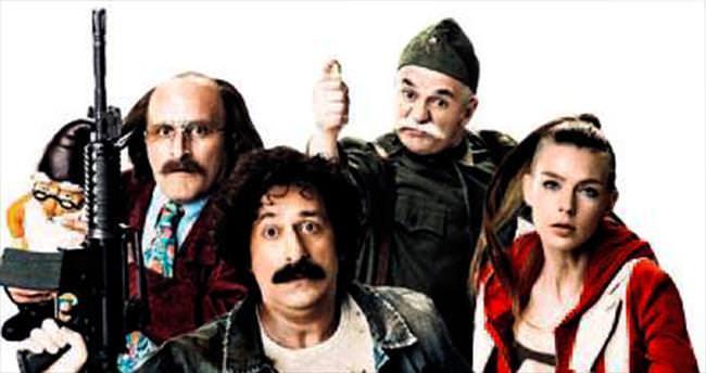 Cem Yılmaz yeni filmini Ankaralılarla birlikte izledi