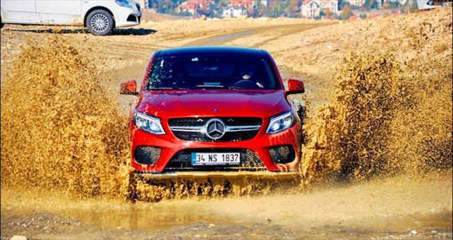 Mercedes'in yeni seri si yolların tozunu atı