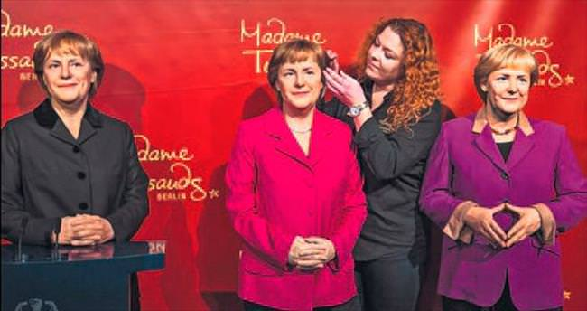 Üç Merkel bir arada