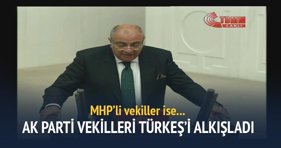 MHP'li vekiller Tuğrul Türkeş'i alkışlamadı