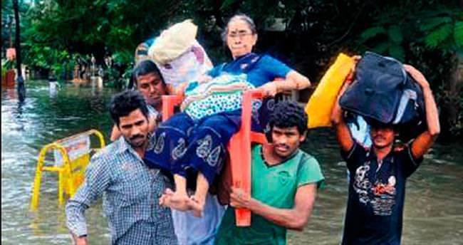 Hindistan'da 71 kişi sel kurbanı