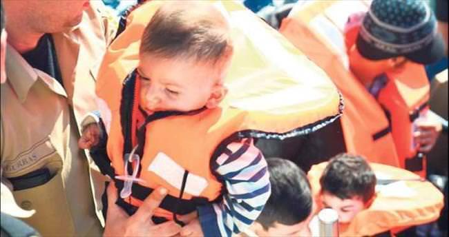 Ege'de bir göçmen trajedisi daha: 4'ü çocuk 9 ölü