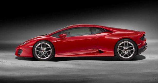 Lamborghini'den arkadan itişli Huracan