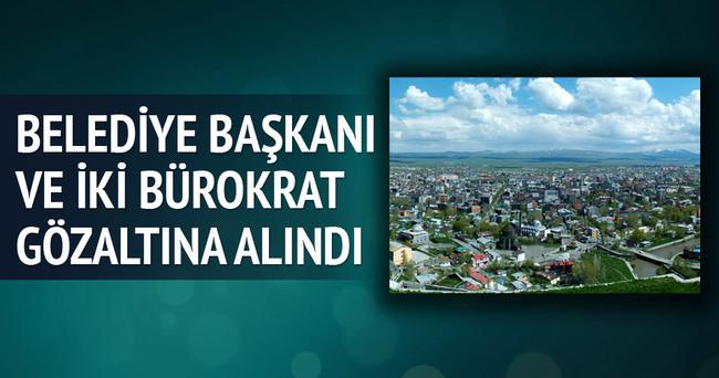 Belediye Başkanı ve 2 bürokrat gözaltına alındı