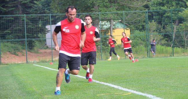 Gekas ve Muarem Eskişehirspor'dan ayrıldı