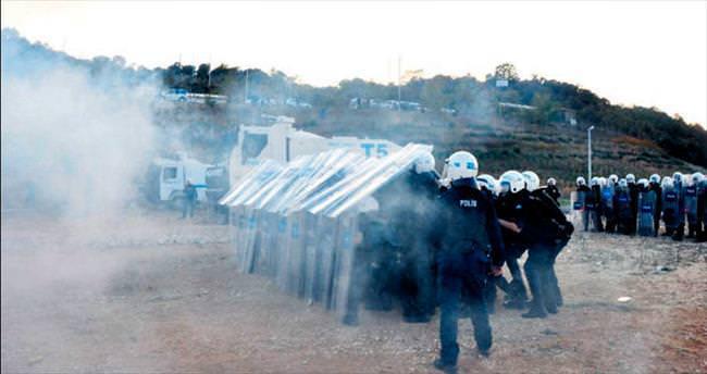 Bursa'da polisin tatbikatı gerçeğini aratmadı