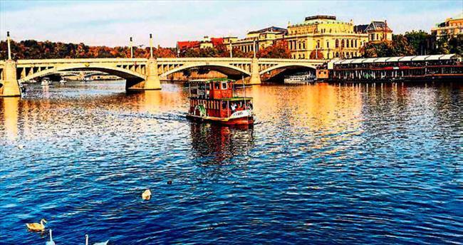 Prag'da akışta kalın