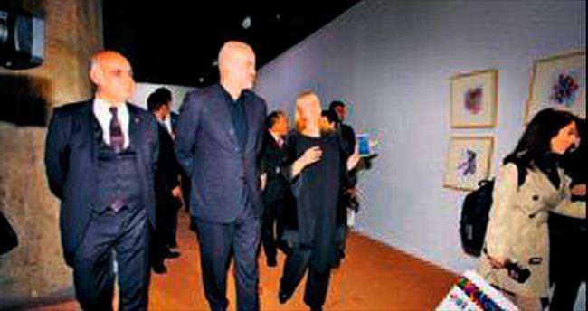 Arnavut Başbakan Rama İstanbul'da resim sergisi açtı