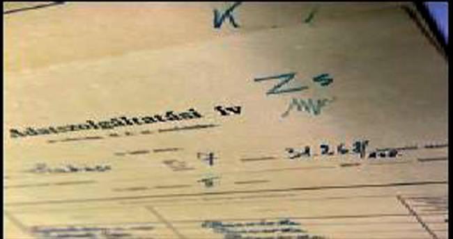 Nazi belgeleri duvardan çıktı