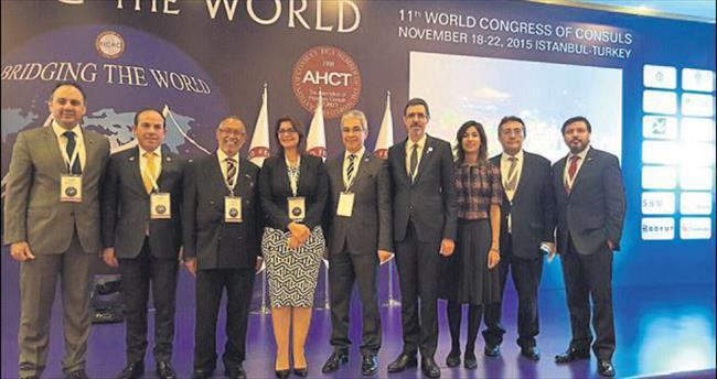 Ömer Kaplan, 87 ülkeye İzmir'i tanıttı