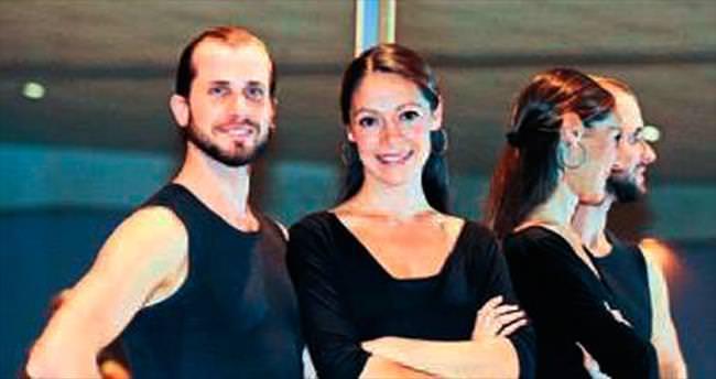 Sydorovych ailesi dans ile yaşıyor