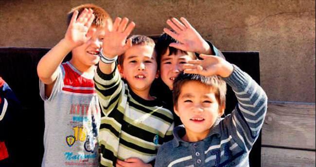 KYK'lı gençler 'veren el' olmaya devam ediyor