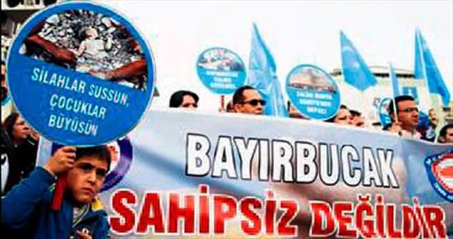 Türkmenlere saldırı Ege'de protesto edildi