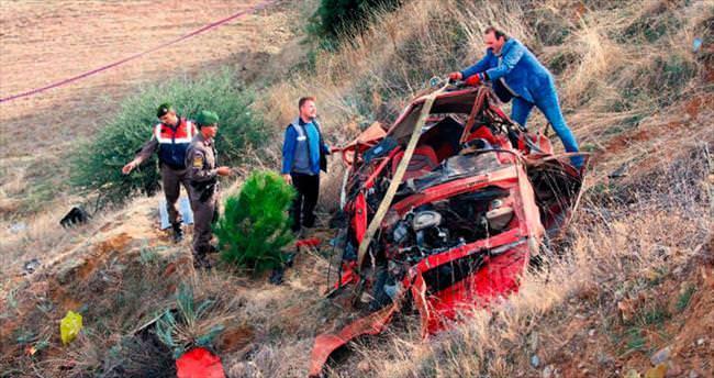 Pazar yolunda kaza: 5'i aynı aileden 7 ölü