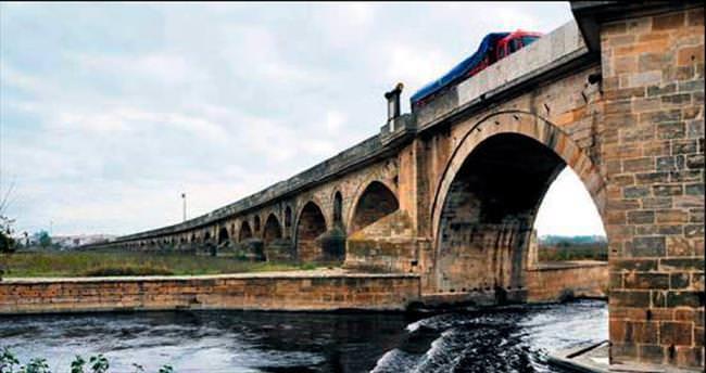 En uzun taş köprüye restorasyon