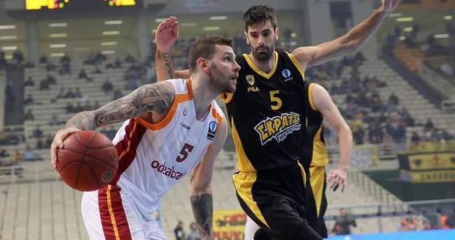 Galatasaray, AEK'yı Yunanistan'da dağıttı