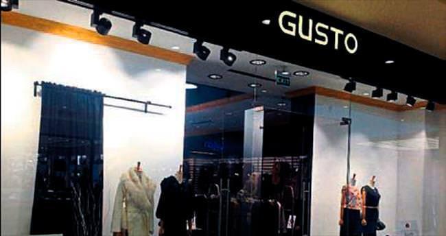 Gusto, İzmir'de üçledi