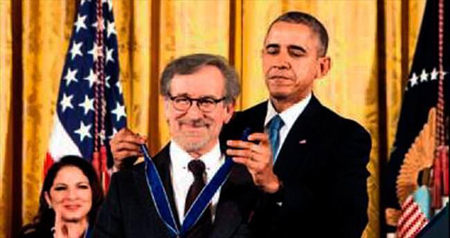 Obama'dan 17 kişiye Özgürlük Madalyası