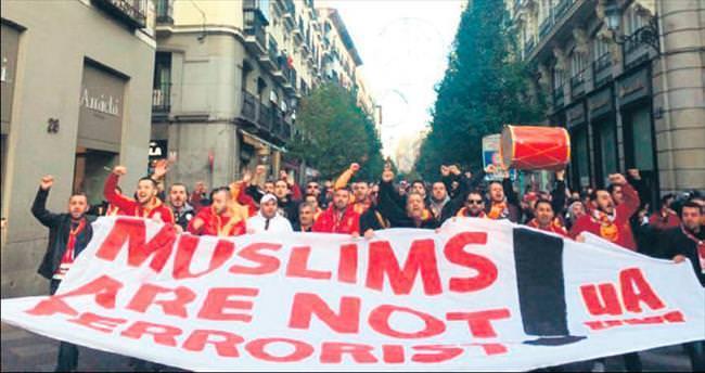 Müslümanlar terörist değil