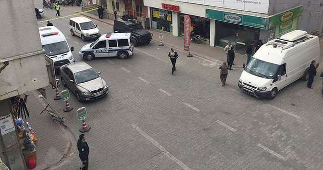 Adana'da bombalı araç alarmı!