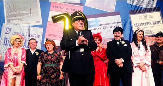 Göktay'ın 70'inci yaşı sahnede kutlandı