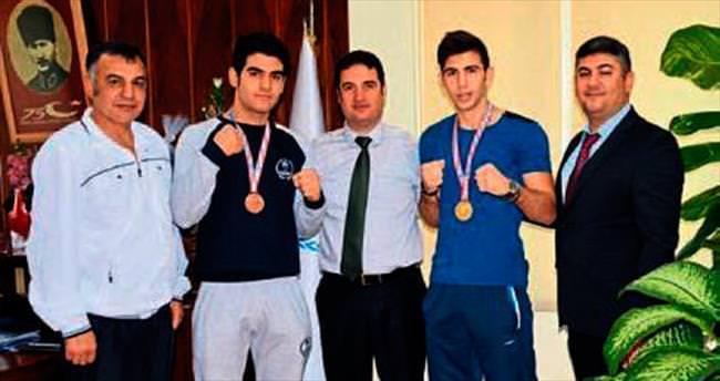 Genç boksörler başarıyı paylaştı