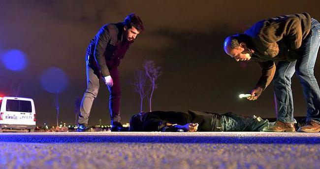 21 yaşındaki genç, yol kenarında ölü bulundu