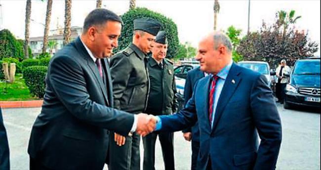 Mersin Valisi Özdemir Çakacak Tarsus'a geldi