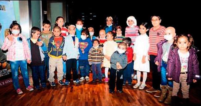 İyileşen çocuklar sinemada buluştu