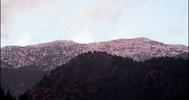 Katrancık Dağı'na yılın ilk karı düştü